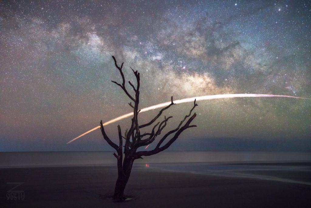 Фотограф Зак Грезер 6 мая заснял посадку ракеты Falcon 9 компании SpaceX