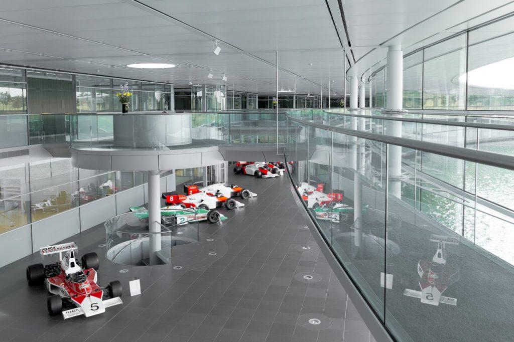 Технологический центр и комплекс McLaren Technology Centre и производственный центр McLaren Automotive