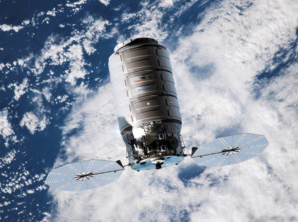 Cygnus Orbital ATK. Частный автоматический грузовой космический корабль снабжения Сигнус